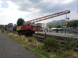 The crane pushes a coal wagon into the yard