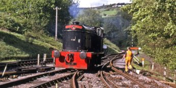 No.23 'Merlin' at Oxenhope (Image is property of Robin Lush and has been reposted from the KWVR website - http://kwvr.co.uk/diesel-train/bristol-port-authority-hudswell-clarke-diesel-mechanical-0-6-0-shunter-no-23-merlin/ )