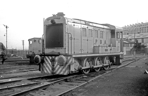 Hudswell 0-6-0D No. 17 (HC D755/1952) at the Port of Bristol Authority, Avonmouth Docks 13/12/64 (Courtesy Roger Hateley/RCTS)